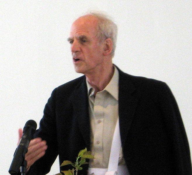 (Professeur Charles Taylor en 2007)