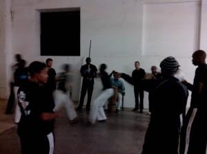 (Roda de capoeira à Dakar. Crédit photo: Serge Katembera)