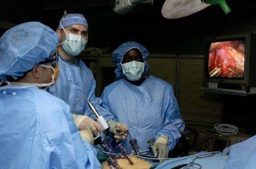 Article : Médecins cubains au Brésil: Sortez docteurs!