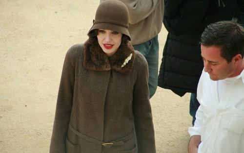 Angelina Jolie lors du tournage de Changeling, de Clint Eastwood