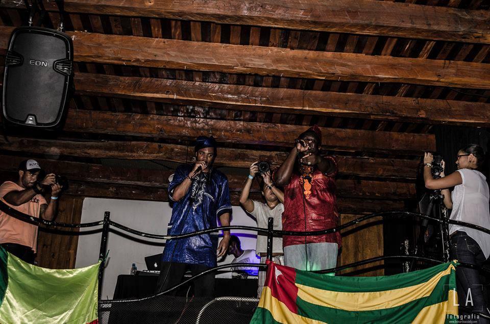 Izy Mistura et Big Le rebel en concert