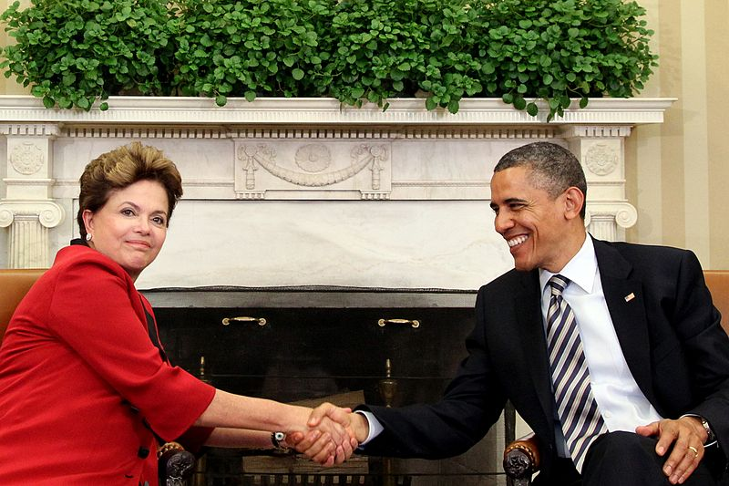 http://pt.m.wikipedia.org/wiki/Ficheiro:Dilma_Rousseff_and_Barack_Obama_2012.jpg