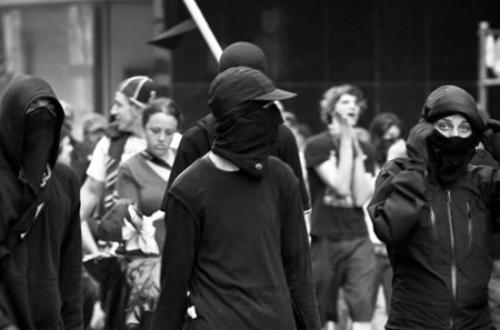 Article : Pétrole brésilien: la violence s'invite dans la cour