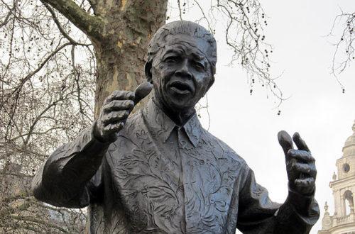 """Article : """"Mandela a vaincu l'Apartheid"""", les titres de la presse brésilienne"""
