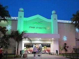 http://pt.wikipedia.org/wiki/Ficheiro:Entrada_sul_do_River_Shopping_-_Petrolina,_Pernambuco.jpg
