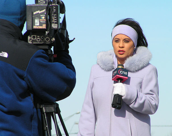 https://upload.wikimedia.org/wikipedia/commons/thumb/0/0d/Reporter.jpg/605px-Reporter.jpg