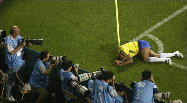 http://imortaisdofutebol.com/2013/08/18/selecoes-imortais-turquia-2002-2003/