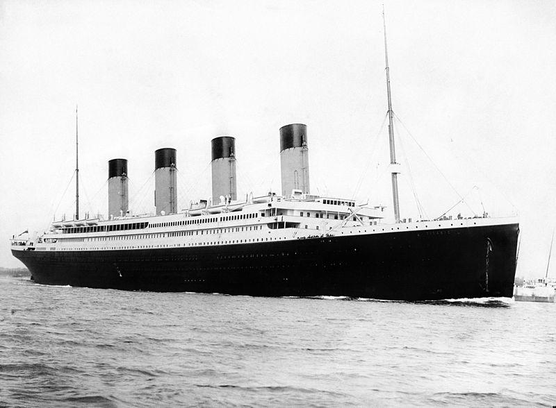 http://pt.wikipedia.org/wiki/RMS_Titanic#mediaviewer/Ficheiro:RMS_Titanic_3.jpg
