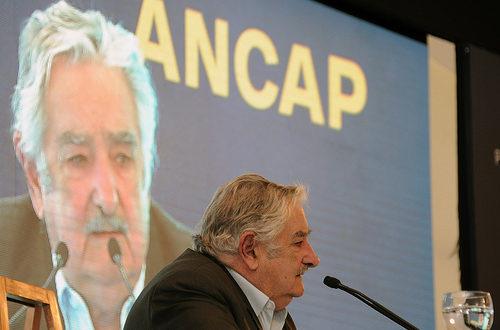 Article : Mujica défend Suarez et au diable la moralité