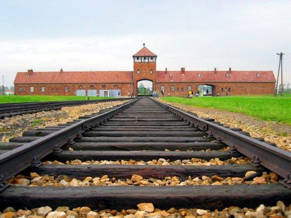 http://commons.wikimedia.org/wiki/File:Auschwitz-birkenau-main_track.jpg
