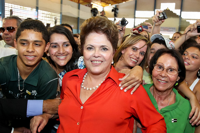 https://www.flickr.com/photos/dilma-rousseff/6099287931/sizes/z/