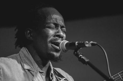 Article : François Muleka : «Vouloir chanter et pouvoir chanter sont deux choses passagères»