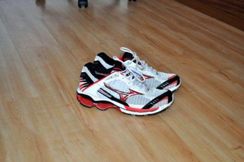 https://pixnio.com/fr/objets/chaussures-and-vetements/nouveau-moderne-chaussures-de-course-plancher
